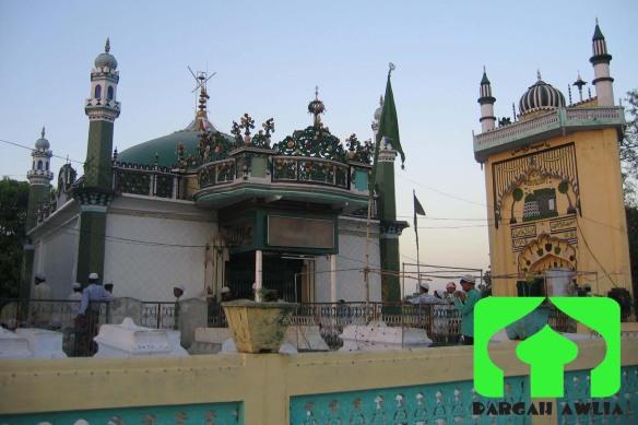 Hazrat Asharaf jahangir Semnani Shrine dargah by Dargah Awlia